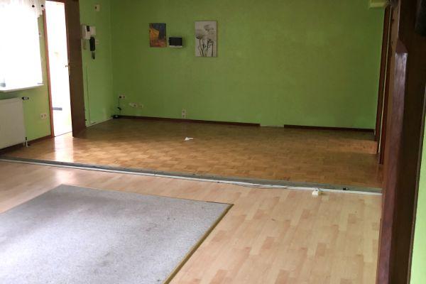 5-Zimmer Wohnung auf über 120 m² sucht neuen Mieter!