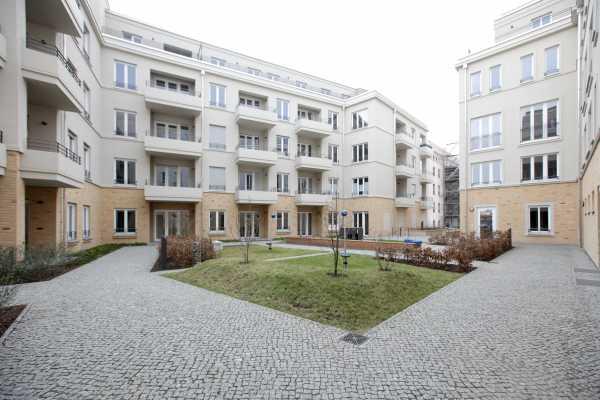Klasse Wohnung mit Einbauküche und Terrasse!