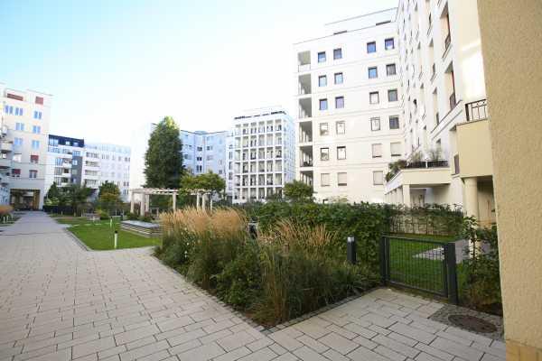 Schöne Wohnung in Berlin-Mitte!!